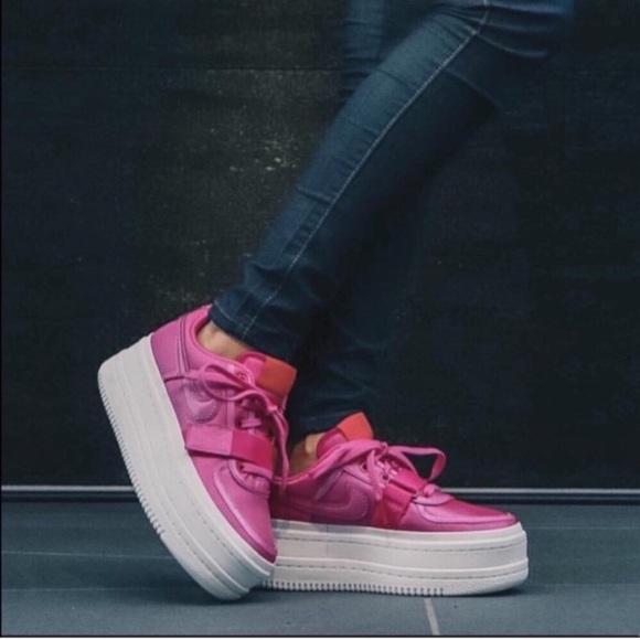 Nwt Womens Size 5 Nike Vandal 2k